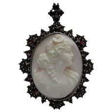 Antique Victorian Queen Conch Cameo Rose Cut Bohemian Garnet Pendant Brooch