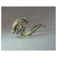Lovely Retro Vintage 14K Gold .40 Carat Diamond Brooch