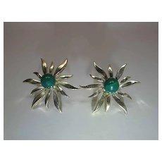 Vintage 14K Gold Green Jade Starburst Post Earrings