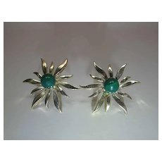 Vintage 14K Gold Green Jade Starburst Post Earrings