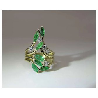 Opulent Vintage 14K Gold Natural Emerald And Diamond Cocktail Ring
