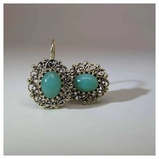 Vintage 14K Yellow Gold Filigree Natural Green Jadeite Kidney Wire Earrings