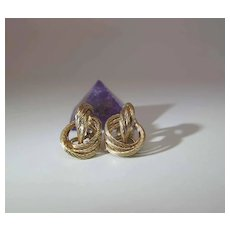 Charming Vintage 14K Yellow Gold Lover's Knot Hinged Clip Earrings