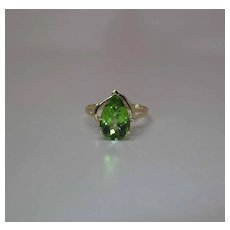 14K Yellow Gold 3 Carat Pear Shaped Lime Green Peridot And Diamond Ring