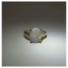Vintage 14K Gold 1.8 Carat Opal And Diamond Ring