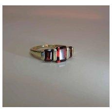 Vintage 14K Gold Emerald Cut Rhodolite Garnet Three Stone Ring