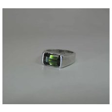 Vintage Sterling Silver And Peridot Ring Size 7.75