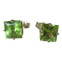 14K Gold Princess Cut Green Peridot Stud Earrings 1 Carat Each
