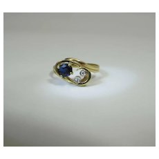 Lovely Vintage 18K Yellow Gold Natural Blue Sapphire And Diamond Ring