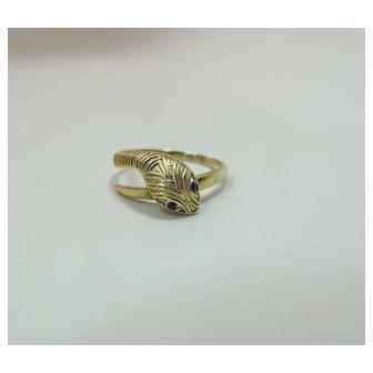 Antique 14K Yellow Gold Snake Ring With Sapphire Eyes