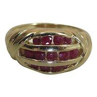 Stylish Vintage 14k Yellow Gold Natural Ruby Ring