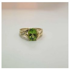 14K Yellow Gold Oval 1.9 Carat Peridot And Diamond Ring