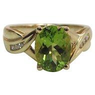 14K Yellow Gold Oval 1.9 Carat Peridot And Diamond Ring