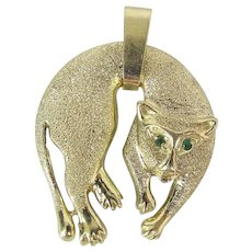 Whimsical 14K Yellow Gold 1.5 Inch Draped Cat Pendant W/ Emerald Eyes 10.2 Grams
