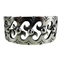 """Fine Quality Mexican Sterling Silver """"Wave"""" Bangle Bracelet Signed LSG Uzumba"""