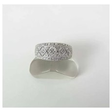 Vintage 10K White Gold Diamond Ring Size 7.25 (Sizable)
