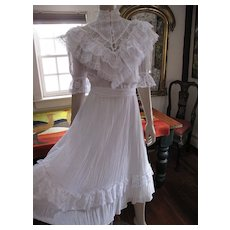 Flouncy & Lacy 1970's Vintage White Gunne Sax Dress - Excellent & Ready To Wear