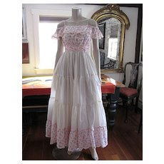 Wonderful & Romantic 1970's On Or Off Shoulder Pink & White Sleeveless Dress