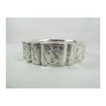 Antique Hand Engraved German 835 Silver Scalloped Bangle Bracelet 8 1/4-Inches