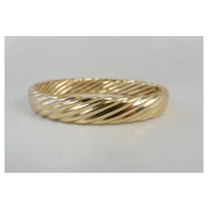 Vintage Italian 10mm Wide Twisted 14K Yellow Gold Hinged Bangle Bracelet 28 Gms