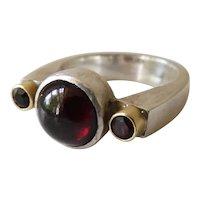 Fine Hand Crafted 18K & Sterling Silver Modernist Unisex 3-Stone Garnet Ring