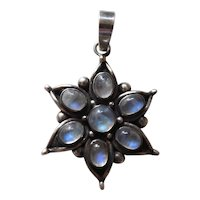 Vintage Sterling Silver & 5.6 Carat Blue Flash Moonstone Six Ray Star Pendant