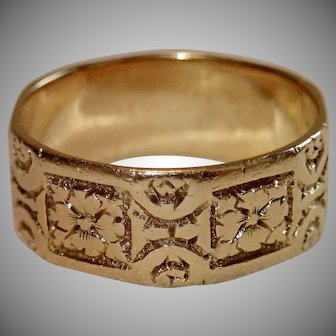 Early Victorian Band Ring , 18 CT Yellow Gold , C. 1833