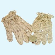Crocheted Gloves For Large Doll Or Little Girl