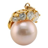 Diamond Cultured Akoya Pearl Pendant 18K Gold 9.5mm
