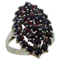 Vintage 14K Yellow Gold Rose cut Bohemian Garnets Garnet Ring