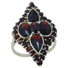 Vintage 10K Yellow Gold Garnet ring made in Germany Old Jewelry
