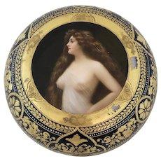 """Large Royal Vienna """"Favorite"""" Porcelain Portrait Dresser Box"""