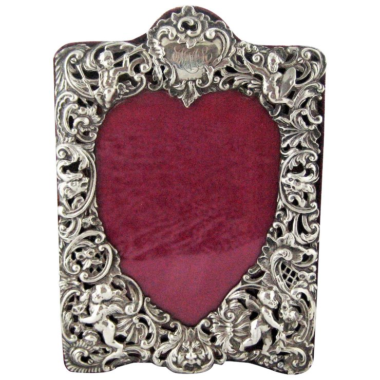 Antique Sterling Silver Repousse Cherubs Photo Frame Heart Opening