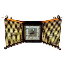 United Bowtie TV Lamp Clock