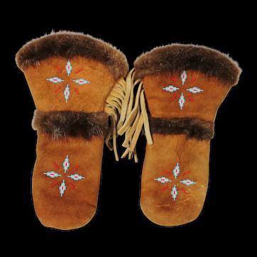 North American Native Beaded Moose Or Deer Mitts