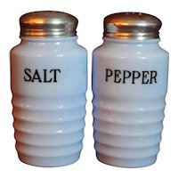 Jeannette Delphite Salt & Pepper shakers