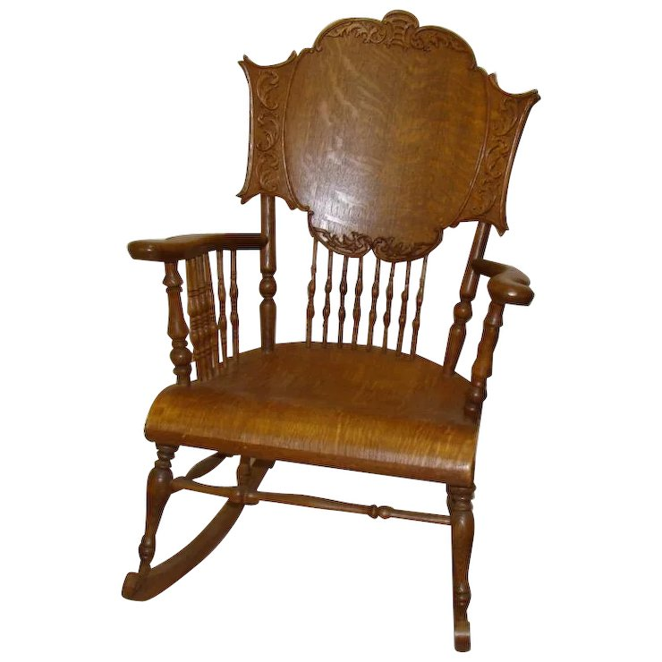 Carved Quartersawn Oak Rocking Chair With Spindles   1910