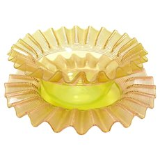 Ruffle-top Threaded Glass Finger Bowl with Underplate