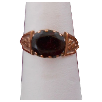 Antique 14K Gold Garnet Ring-Handsome!
