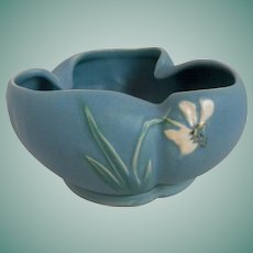 Weller Bouquet planter or vase        Circa 1937