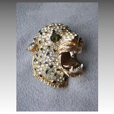Magnificent Rhinestone Leopard Head Costume Jewlery Pin
