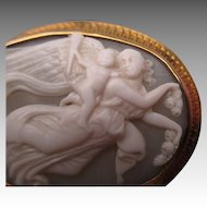 """Edwardian 9ct Gold """"Psyche & Eros"""" Carved Cameo Brooch"""