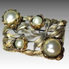 Amazing Gold Tone and Faux Pearl Edwardian Pin