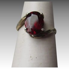 Fun 835 Silver and Garnet Ring