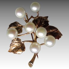 Gorgeous 14k Gold and Pearl Leaf Pin