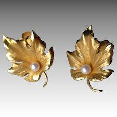 Fabulous 14k Gold Leaf Earrings with Pearl
