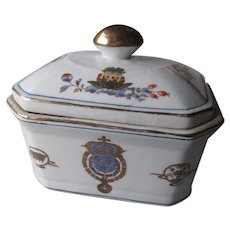 Chinese Export Covered Box
