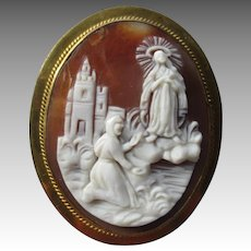 Beautiful 10k Gold Carved Religious Cameo