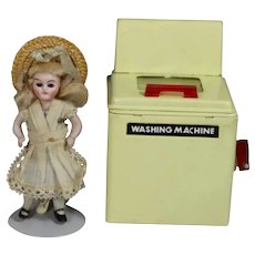 Vintage 1940s Doll Sized Metal Toy Washing Machine!