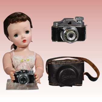 Vintage Mini Doll Sized Spy Camera with Leather Case!